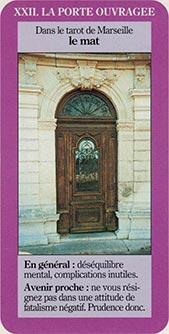 XXII La porte ouvragée